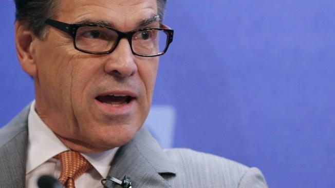 Perry: Millones para asegurar la frontera