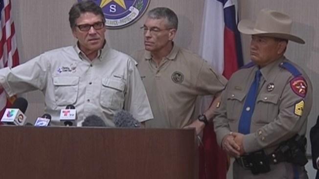 Rick Perry visito El Valle en busca de soluciones a crisis humanitaria