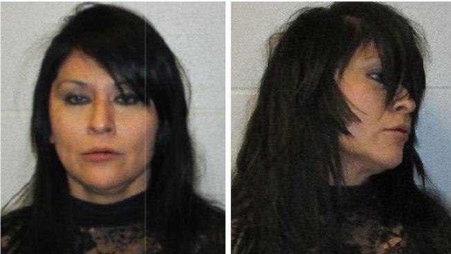 Arrestan mujer por presuntamente agredir a hija