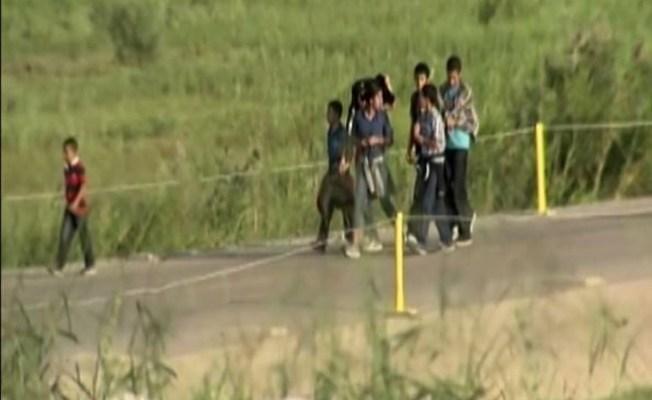 Más niños detenidos en la frontera