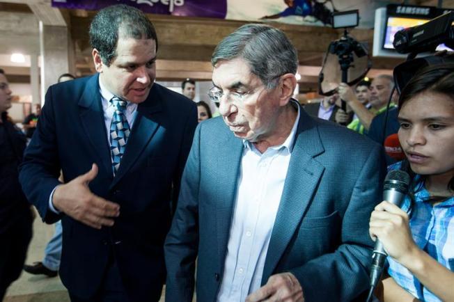 Denuncian por violación a Óscar Arias, expresidente costarricense y Nobel de la Paz