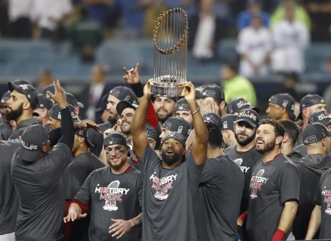 Red Sox vencen a los Dodgers y se coronan campeones