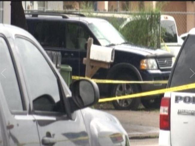 Persona muere en tiroteo con policías