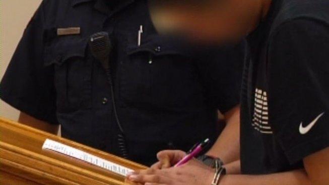 Joven es acusado de llevar arma a escuela
