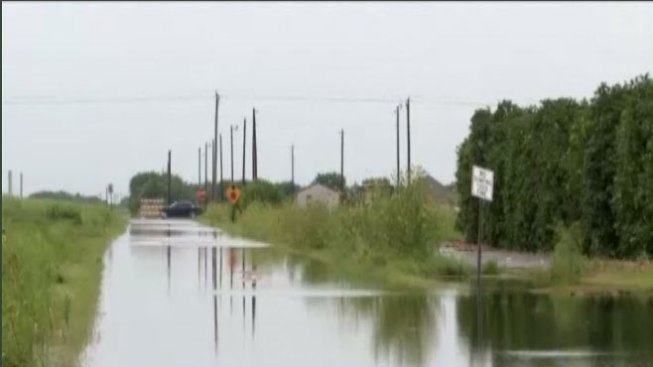 Cerradas varias calles inundadas en Edinburg