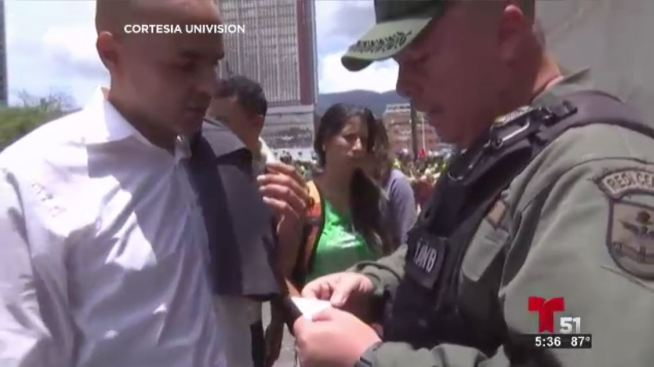 Agreden en Venezuela a reportero de Telemundo